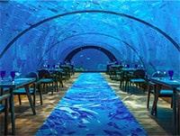 Unterwasserrestaurant und Tische
